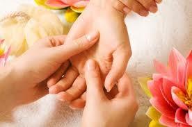 Masaż dłoni