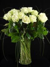 Kwiaciarnia ukladanie bukietów i sprzedaż online