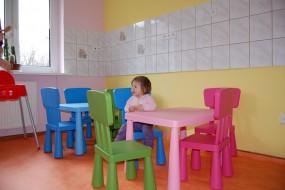 Klub Malucha Basniowa Kraina zapewnia  opiekę dzieciom od 6 m-cy do 4
