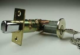 sprzedaż zamków do kluczy
