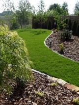 Trawnik - zakładanie trawników z rolki i siewu