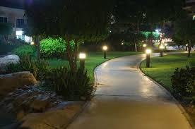 Instalacja oświetlenia ogrodowego tarasy altany