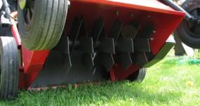 Wertykulacja i aeracja trawnika