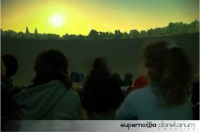 Lekcje astronomii w mobilnym planetarium