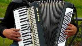 Strojenie akordeonów
