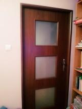 Osadzanie drzwi