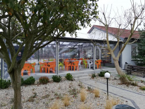 Osłony silikonowe transparentne  do pergoli i ogródków piwnych .