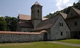 Czerwony Klasztor z przewodnikiem w języku polskim
