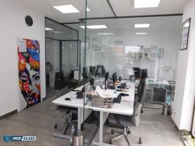 Montaż szklanych ścianek biurowych