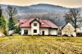 Sprzedaż domów i mieszkań